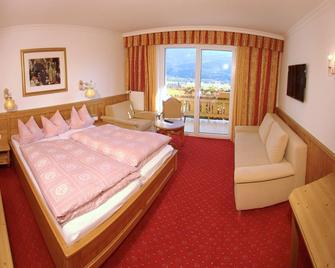 Hotel Glocknerhof - Berg im Drautal - Bedroom