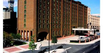 Days Inn by Wyndham Baltimore Inner Harbor - Baltimore - Rakennus