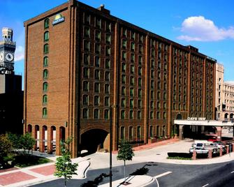 Days Inn by Wyndham Baltimore Inner Harbor - Балтімор - Building