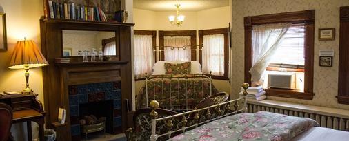 Castle Marne Bed & Breakfast - Denver - Bedroom