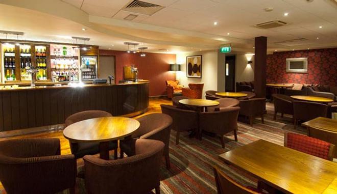 Premier Inn London Heathrow Airport - Bath Road - Hounslow - Lounge