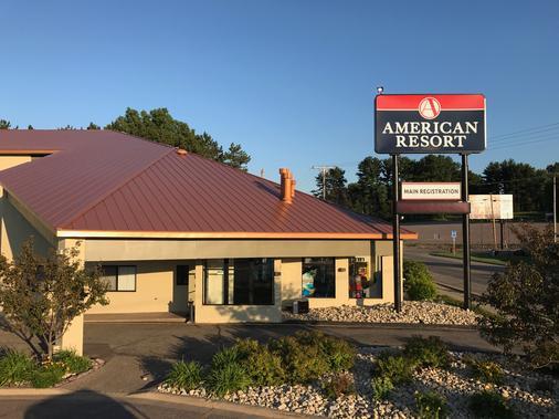 American Resort & Campground - Wisconsin Dells - Rakennus