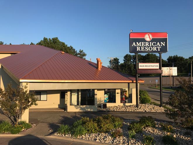 American Resort & Campground - Wisconsin Dells - Building