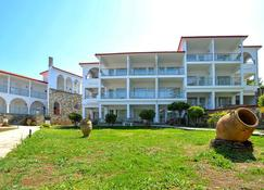 Alexander the Great Beach Hotel - Kriopigi - Building