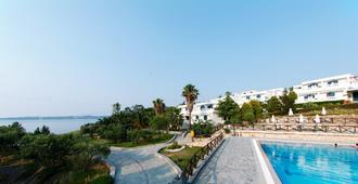 Agionissi Resort - Ammouliani - Edificio