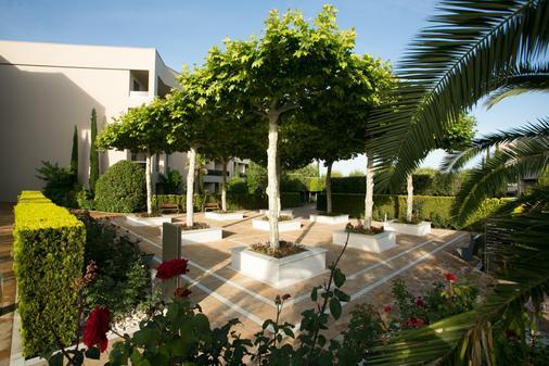 Pomegranate Wellness Spa Hotel - Nea Poteidaia - Attractions