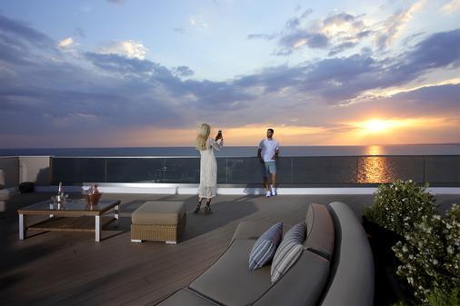 Pomegranate Wellness Spa Hotel - Nea Poteidaia - Balcony