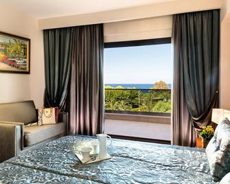Pomegranate Wellness Spa Hotel - Nea Poteidaia - Bedroom
