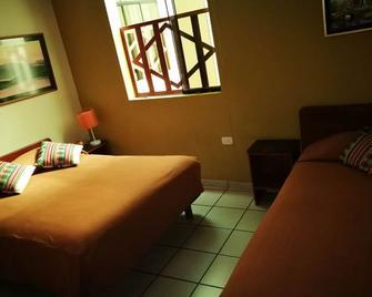 Hostal Confort - Tacna - Schlafzimmer