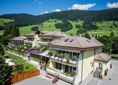 Hotel Baranci - San Candido - Outdoors view