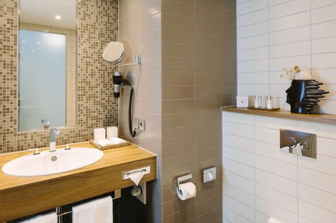Hotel Chester Heidelberg - Heidelberg - Bathroom