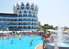 Granada Luxury Resort & Spa - Okurcalar - Toà nhà