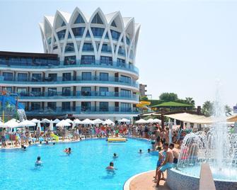 Granada Luxury Resort & Spa - Okurcalar - Gebäude