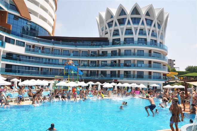 Granada Luxury Resort & Spa - Okurcalar - Edificio