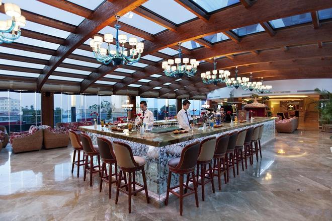 Granada Luxury Resort & Spa - Okurcalar - Bar
