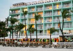 Lani Kai Island Resort - Fort Myers Beach - Building