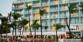Lani Kai Beachfront Resort - Fort Myers Beach - Building