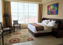 Royal Grand Hotel - Monrovia - Habitación