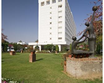 Clarks Amer - Jaipur - Building