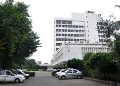Clarks Avadh - Lucknow - Building