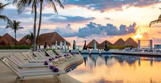 坎昆帕拉迪斯度假村 - 原格蘭梅里亞酒店 - 坎昆 - Cancun/坎康 - 游泳池