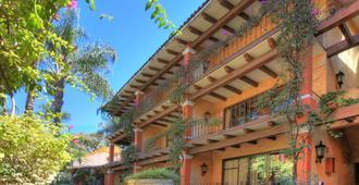Hosteria Las Quintas Hotel & Spa - เควนาวากา - อาคาร