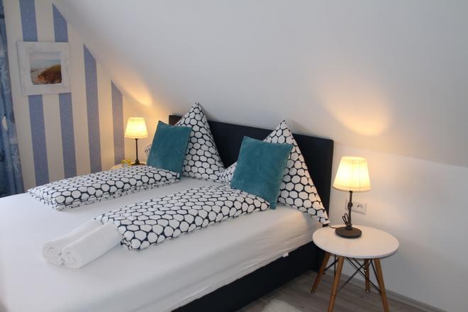Pension Zur Brandung - Büsum - Bedroom