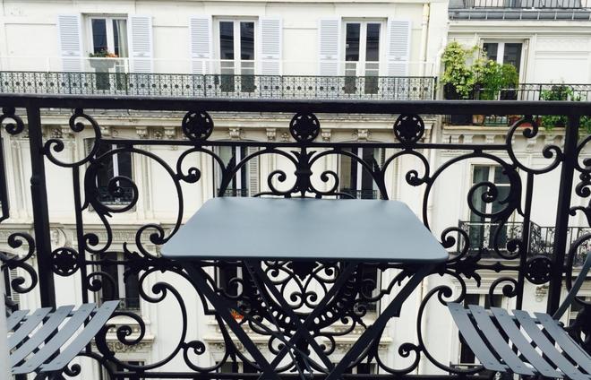 Hotel Mademoiselle - Pariisi - Parveke