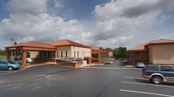 Best Western Center Pointe Inn - Branson - Building