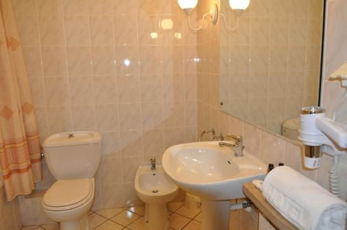 Hotel Zajazd Napoleonski - Warsaw - Bathroom