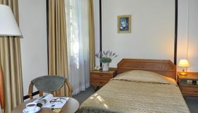 Hotel Zajazd Napoleonski - Warsaw - Bedroom