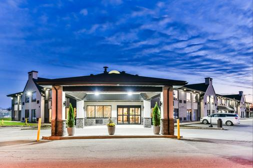 Comfort Inn Aeroport - Dorval - Building