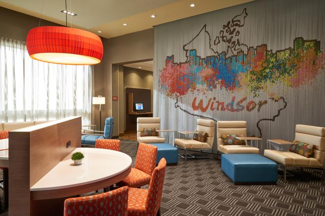 TownePlace Suites by Marriott Windsor - Windsor - Hành lang
