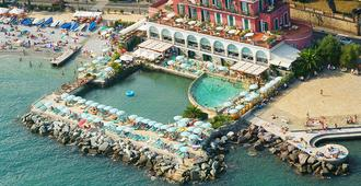Hotel Helios - Santa Margherita Ligure - Θέα στην ύπαιθρο