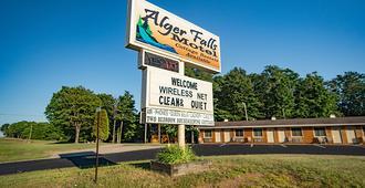 Alger Falls Motel - Munising - Edificio