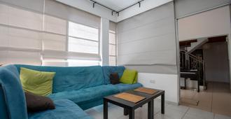 Satori House - Limassol - Recepción