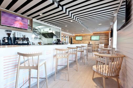 Hotel Ryans La Marina - Ibiza-stad - Bar