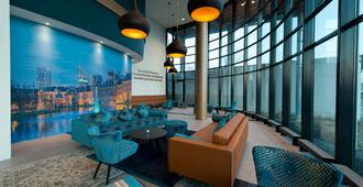 The Hague Teleport Hotel - The Hague - Lounge