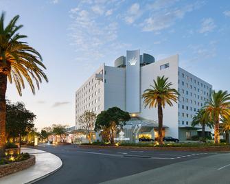 Crown Promenade Perth - Burswood - Building