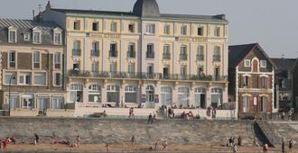 Hotel Kyriad Saint Malo Plage - Saint-Malo - Toà nhà