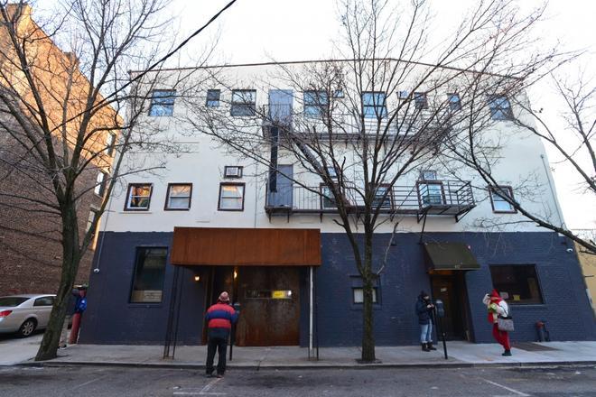 Explore Hotel & Hostel - Union City - Building