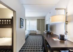 TownePlace Suites by Marriott at SeaWorld - Orlando - Bedroom