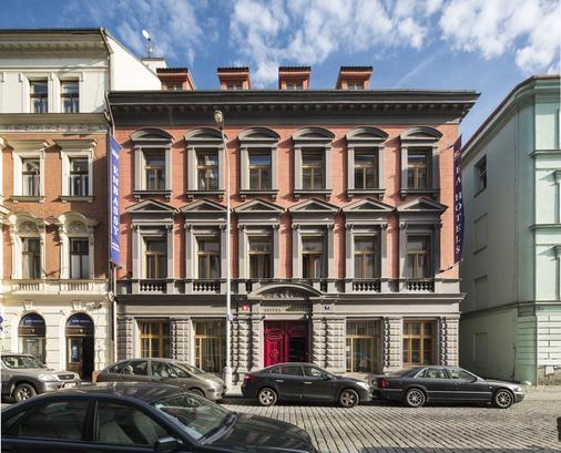 Ea Embassy Prague Hotel - Prague - Building