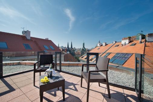 Ea Embassy Prague Hotel - Prague - Balcony