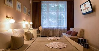 Hotel Wittelsbach am Kurfürstendamm - Berliini - Makuuhuone