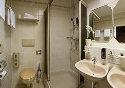 Hotel Wittelsbach am Kurfürstendamm - Berlin - Bathroom