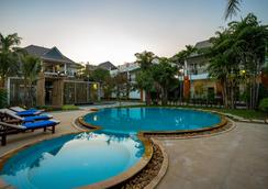 Les Bambous Luxury Hotel - Siem Reap - Pool