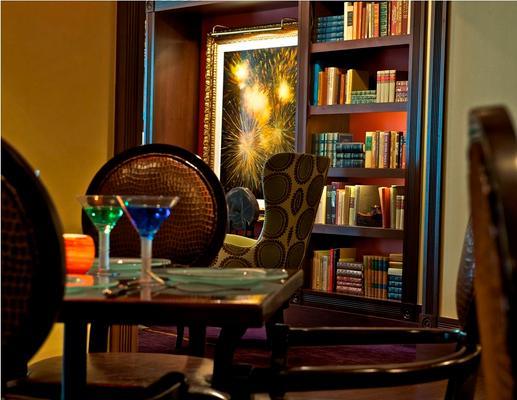 Churchill Hotel Near Embassy Row - Washington - Food