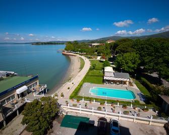Hotel Lidò - Passignano sul Trasimeno - Outdoors view