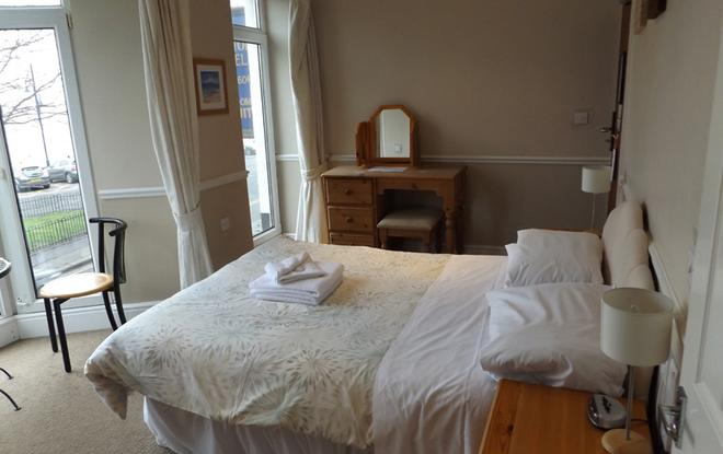 The Mumbles Carlton Hotel - Swansea - Schlafzimmer